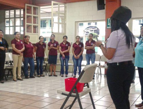 Talleres para personas adultas sobre prevención de la violencia en El Salvador