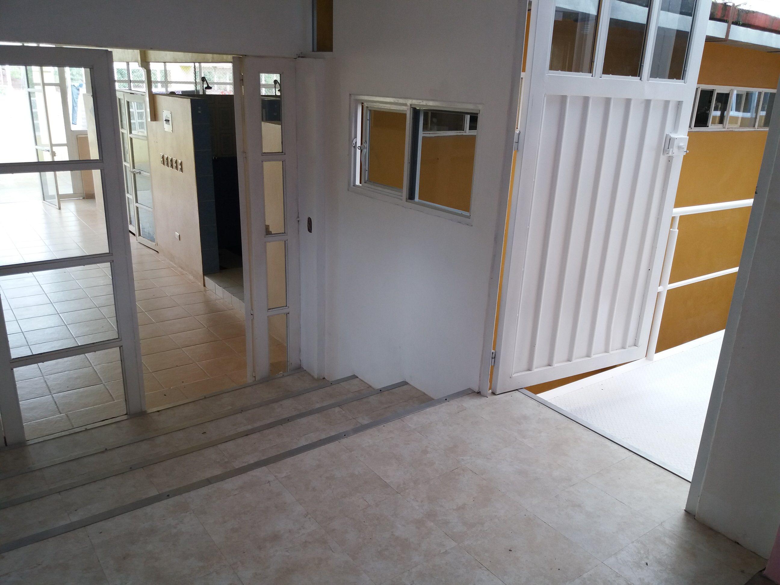 Reconstrucción del hogar de acogida de Matagallinas