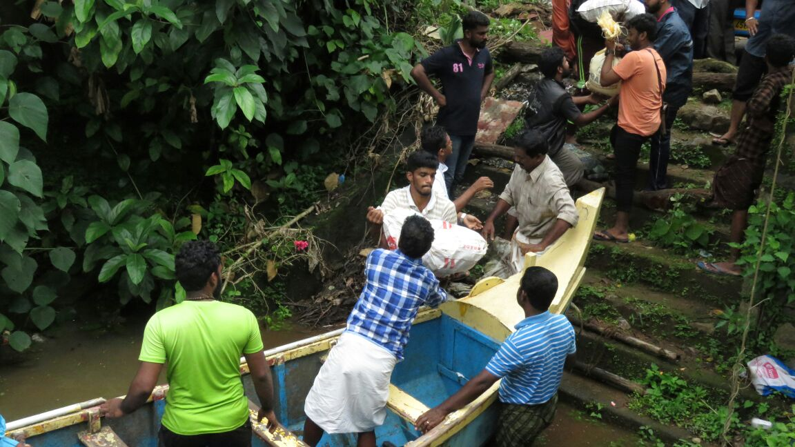 Continúa el trabajo de atención a los afectados por las inundaciones de Kerala