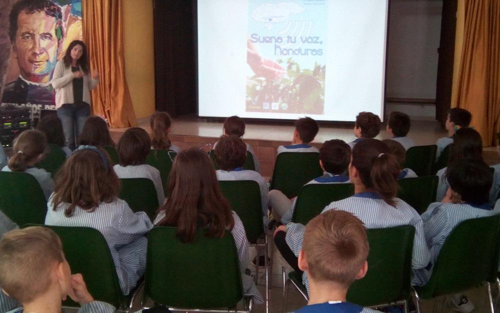 Presentamos la campaña solidaria en colegio de Sant Andreu