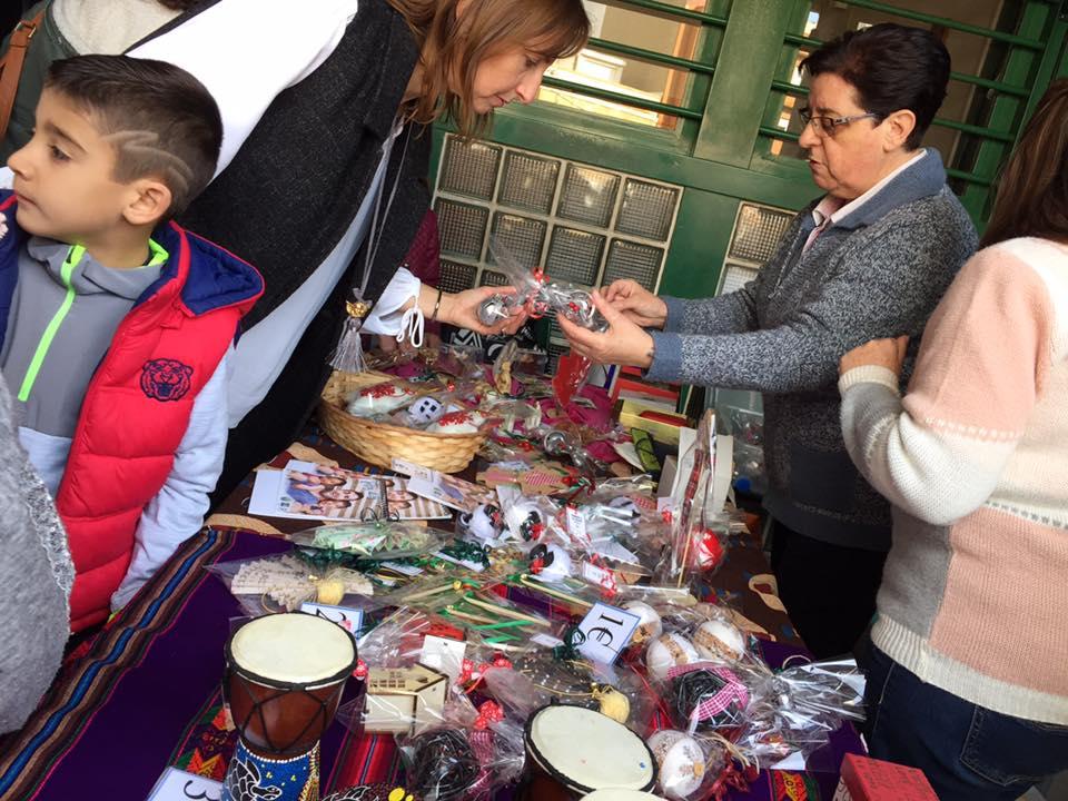 Stand Solidario en el Colegio Mª Auxiliadora de Torrent