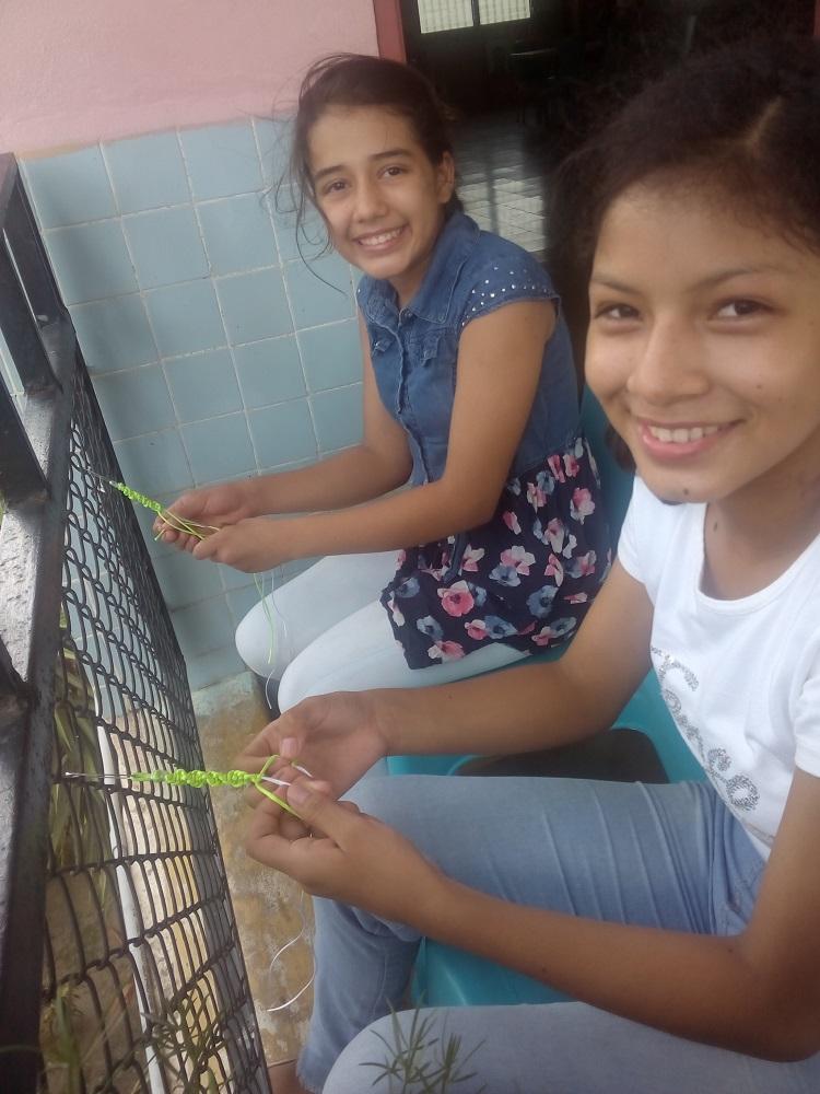 Dos voluntarias en Honduras