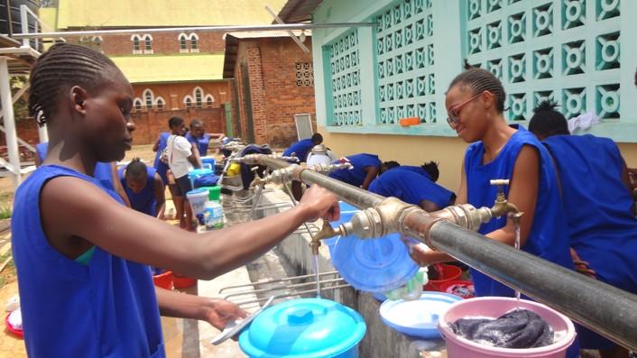 Mejoramos las infraestructuras del Liceo Kwesu de Kafubu