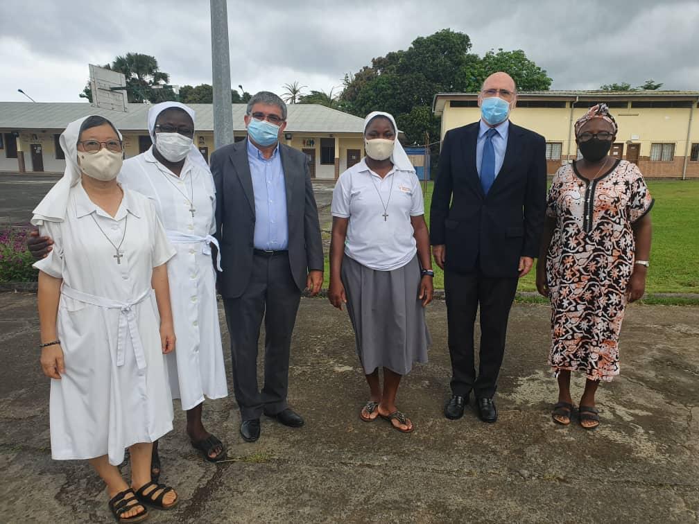 Visita de la Embajada de España en Guinea Ecuatorial a los centros formativos de las Salesianas