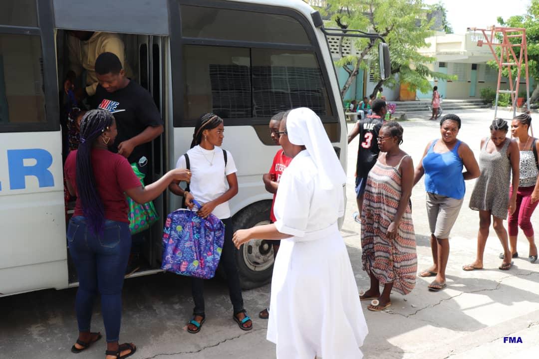 Las salesianas de Haití, en primera línea